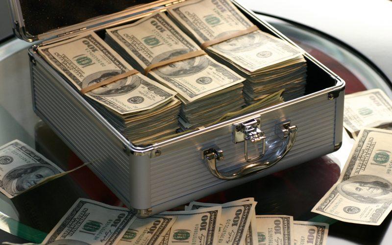 Cash in a lockable cash box